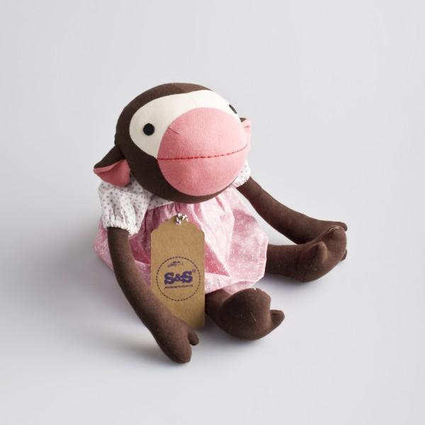 Knuffel aap – Frida (roze jurkje)